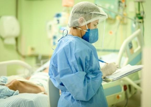 Pacientes mais graves podem apresentar sitomas da Covid-19 por mais tempo - Foto: Divulgação