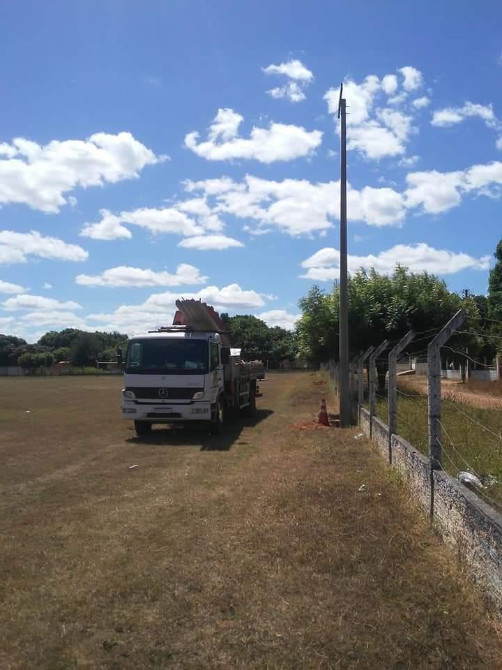 Nazária: campo de futebol recebe iluminação