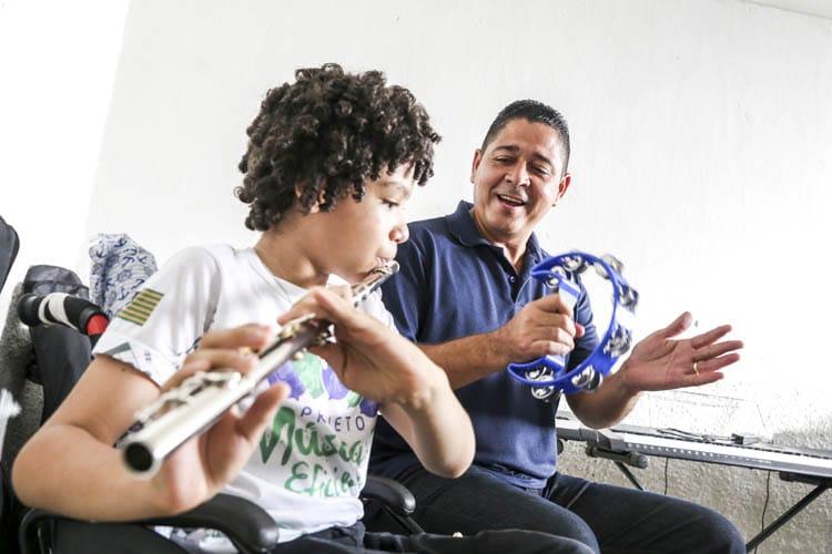 Projeto Música Eficiente surgiu da necessidade de atender crianças com deficiência - Foto: Dvulgação