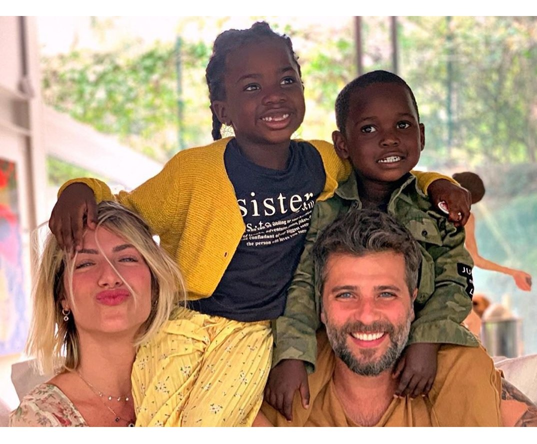Giovanna Ewbank e família