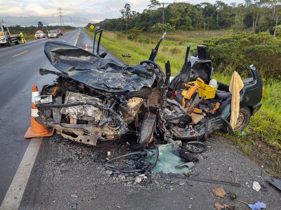 Cinco pessoas que estavam no carro morreram após acidente em SP - Foto: Divulgação/PRF
