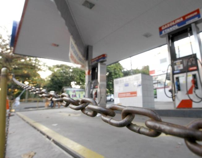 Posto de combustiveis estão proibidos de funcionar no fim de semana - Foto: Reprodução