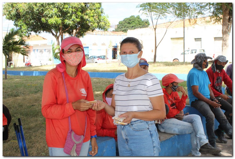 Gestão distribui máscaras para profissionais da limpeza e realiza testagem em agentes de endemias - Imagem 6