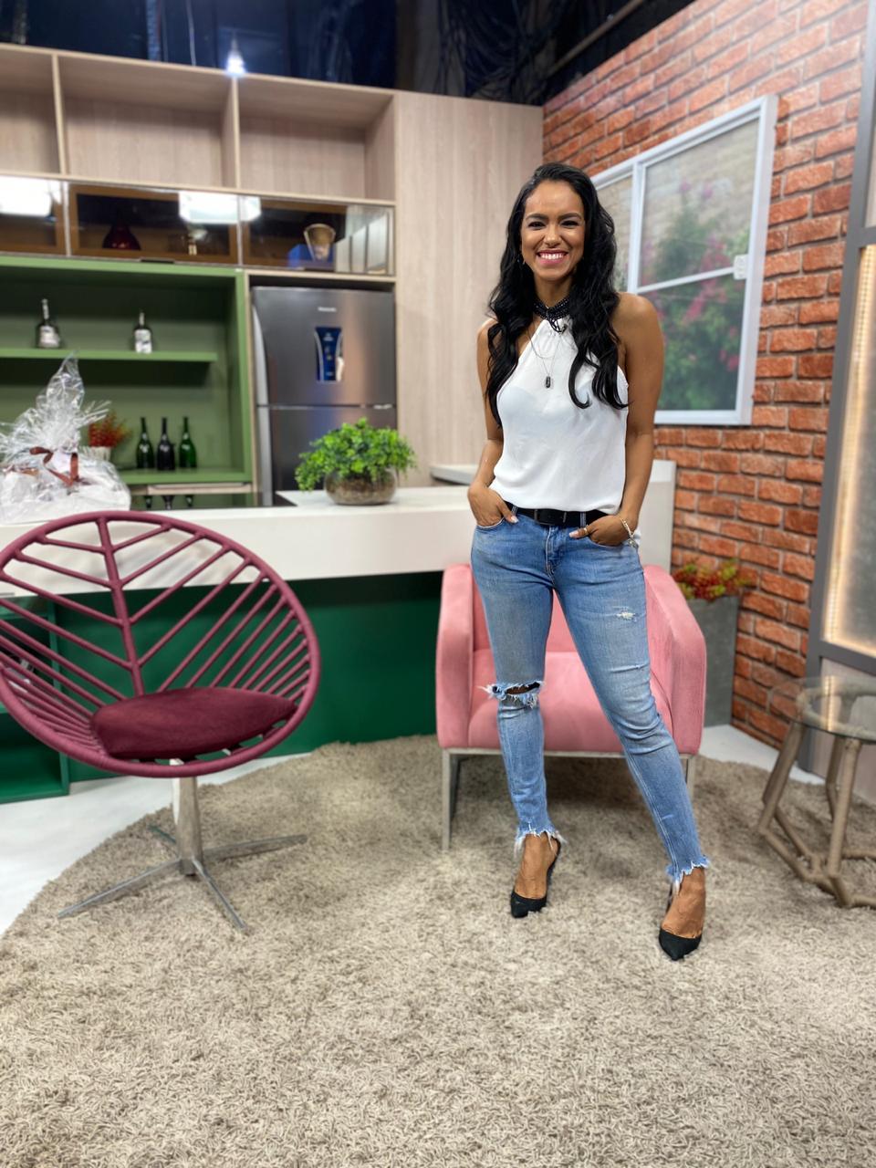 Stefhania Fernandes é a nova apresentadora oficial do Revista Meio Norte - Foto: Divulgação
