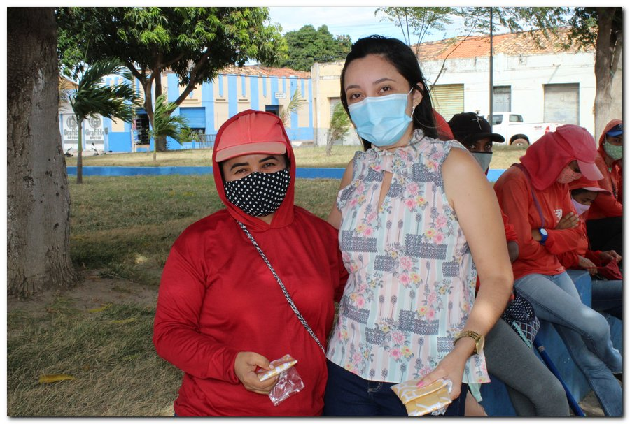 Gestão distribui máscaras para profissionais da limpeza e realiza testagem em agentes de endemias - Imagem 7