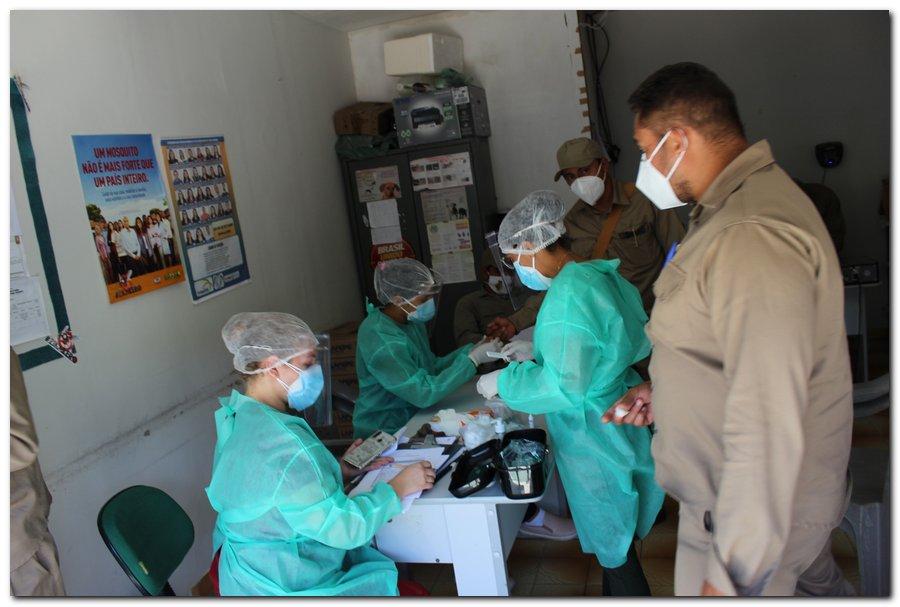 Gestão distribui máscaras para profissionais da limpeza e realiza testagem em agentes de endemias - Imagem 15