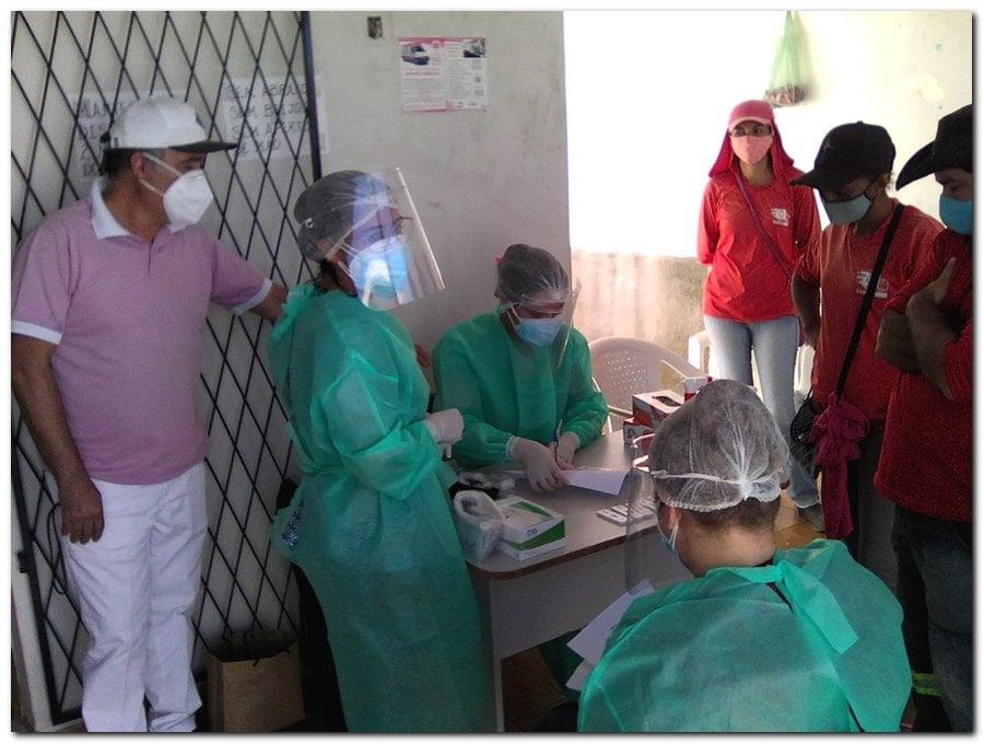 Gestão distribui máscaras para profissionais da limpeza e realiza testagem em agentes de endemias - Imagem 12