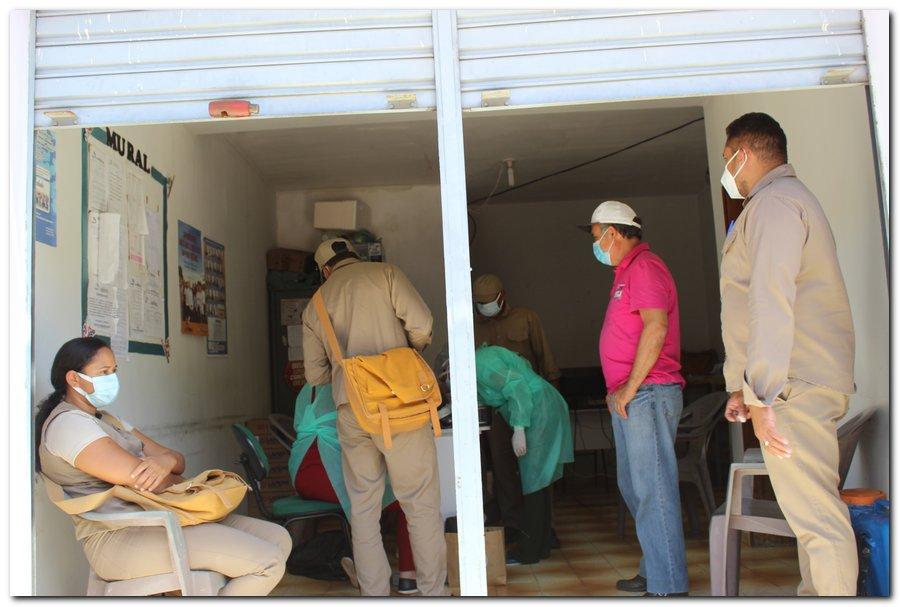 Gestão distribui máscaras para profissionais da limpeza e realiza testagem em agentes de endemias - Imagem 16