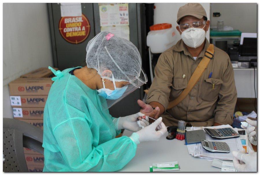 Gestão distribui máscaras para profissionais da limpeza e realiza testagem em agentes de endemias - Imagem 17