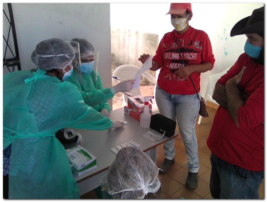 Gestão distribui máscaras para profissionais da limpeza e realiza testagem em agentes de endemias - Imagem 13