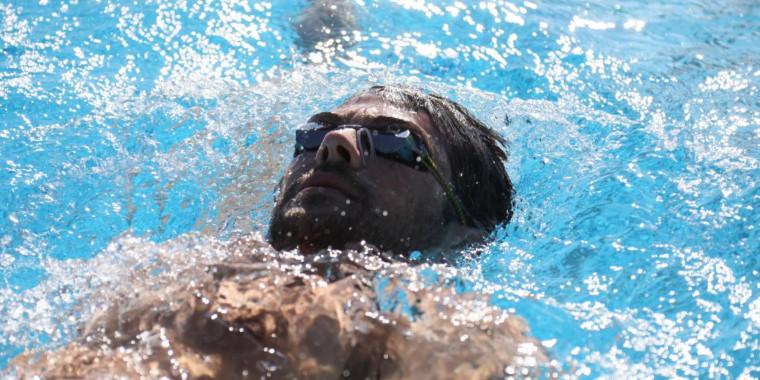 Com 14 atletas, natação brasileira volta às competições, em Portugal