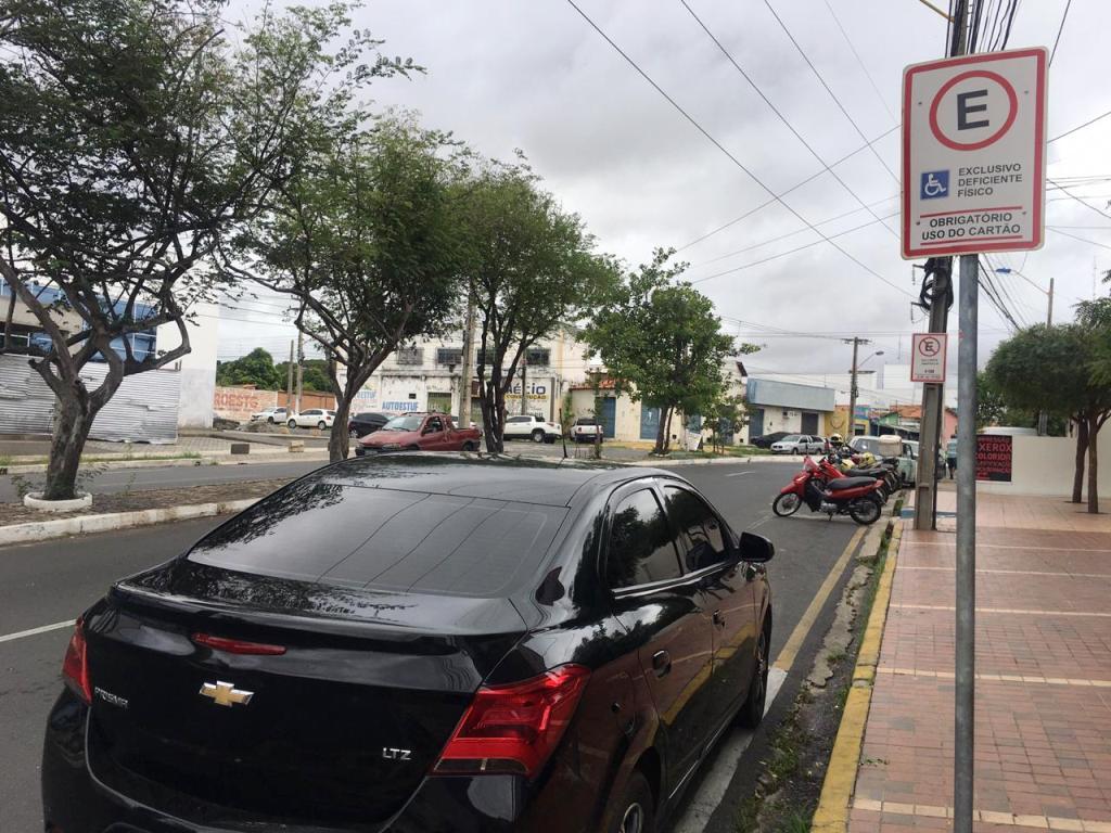 Emissões dos cartões de estacionamento seguem suspensas
