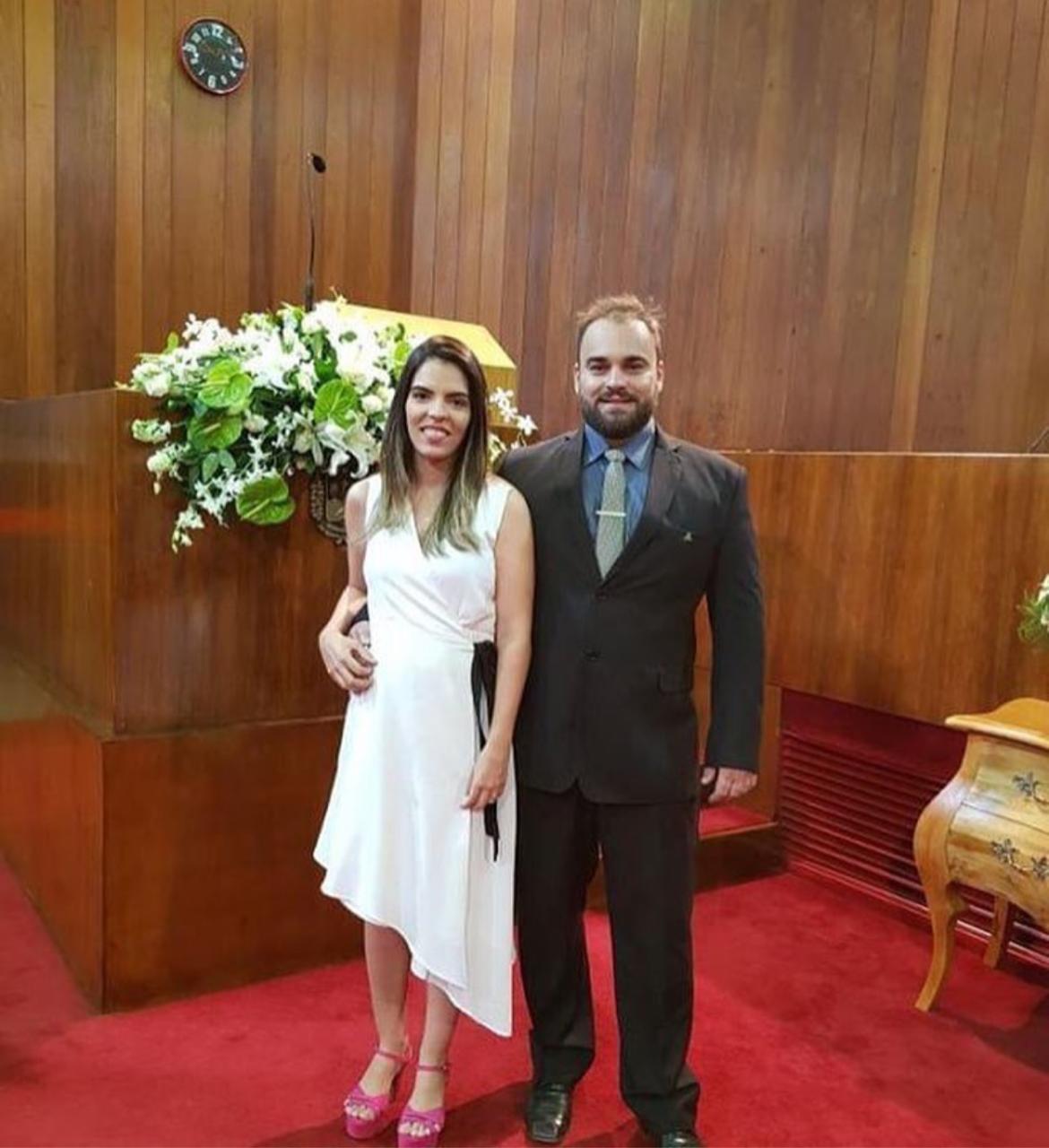 Mikhail e a esposa Lorena, filha do deputado Themístocles Filho - Foto: Reprodução/Instagram