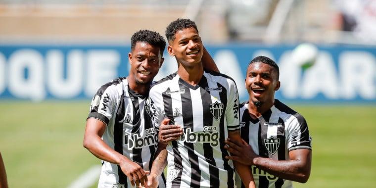 Atlético-MG bate Ceará por 2 a 0 e segue 100% no Brasileirão