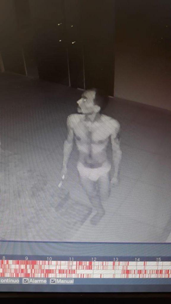Homem invade e rouba clínica em Amarante apenas de cueca - Imagem 2