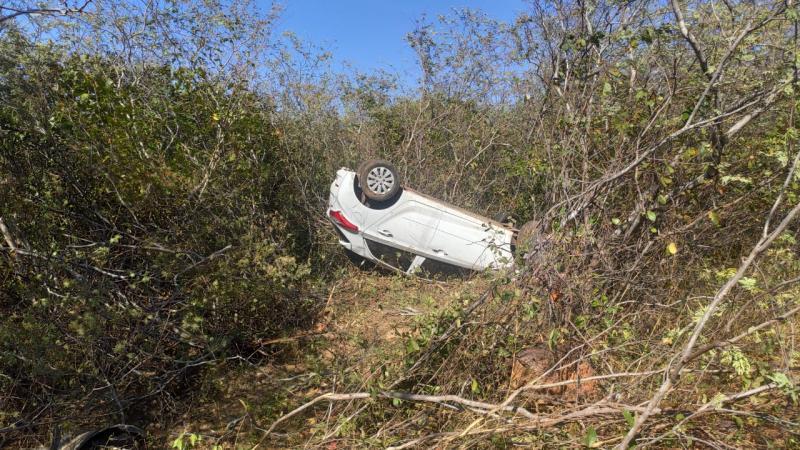 Enfermeira perdeu o controle do veículo na PI-216