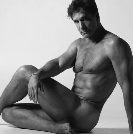 Victor Fasano posou nu para projeto de fotógrafo Foto: Brunno Rangel/reprodução/instagram