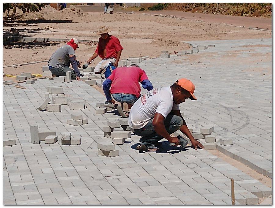 Prefeitura de Inhuma constrói Praça Pública no Bairro Sossego - Imagem 6
