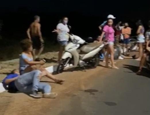Motociclista atropelou o pedestre e deixou mais dois feridos