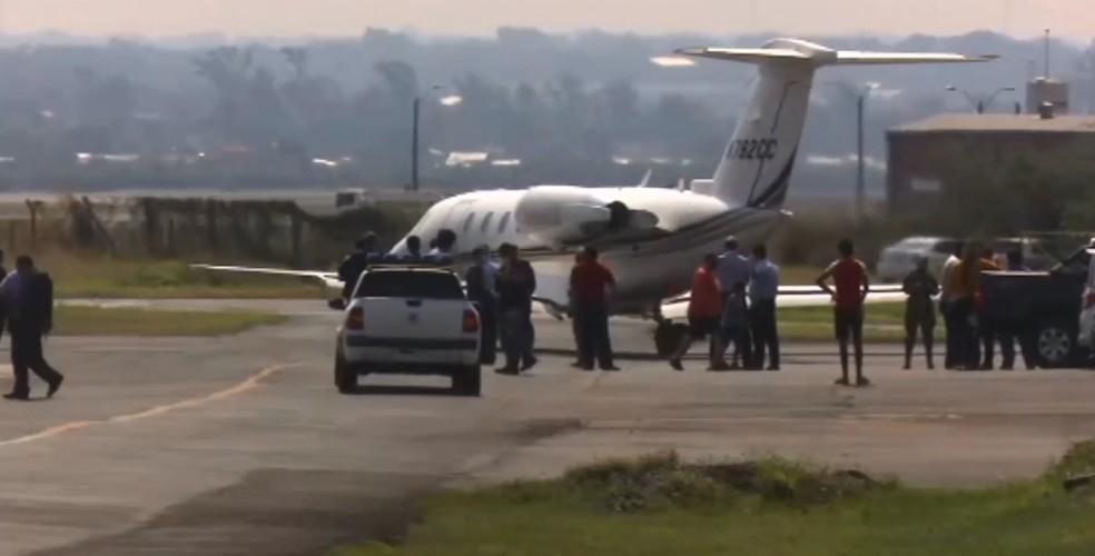 Ronaldinho Gaúcho e o irmão deixaram o Paraguai rumo ao Rio de Janeiro — Foto: ABC TV/Imagem cedida para o G1