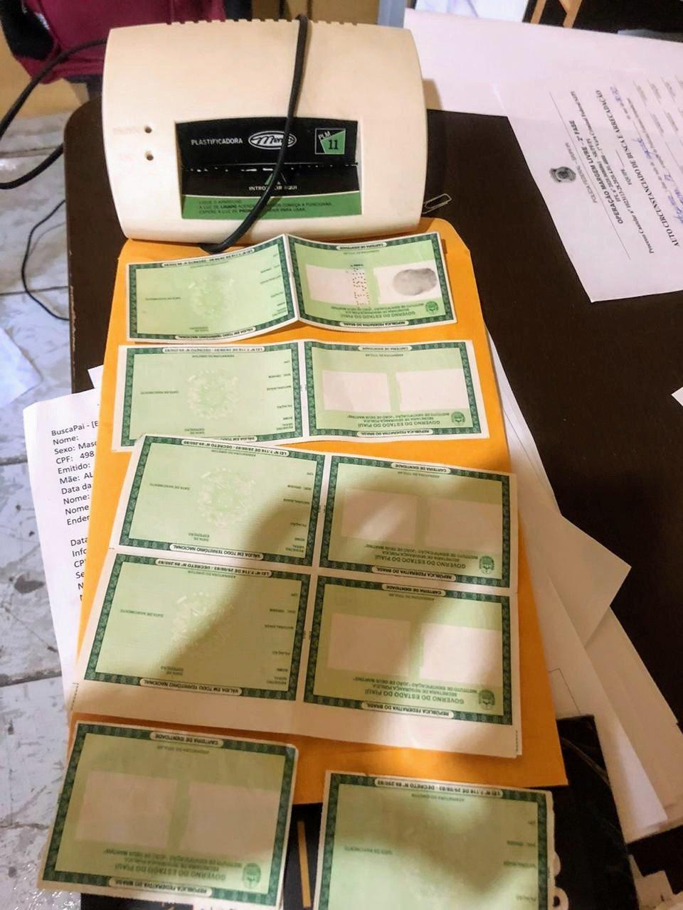 PF investiga grupo que falsificava documentos de servidores públicos para obter empréstimos - Foto: Divulgação