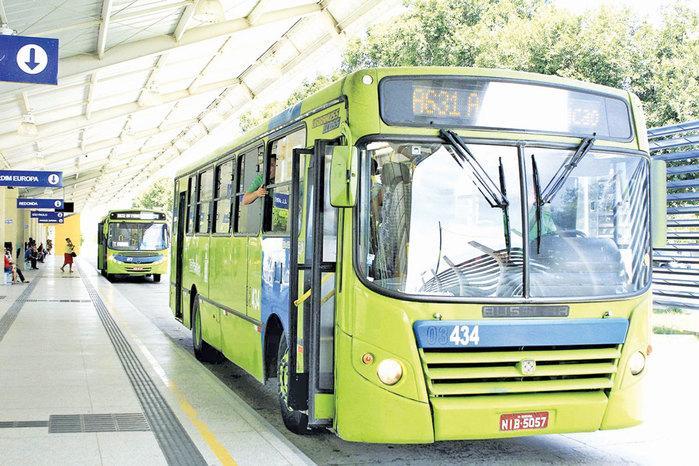 Empresas de ônibus que não estão cumprindo as ordens de serviço que garantem o aumento das viagens em até 40% serão notificadas