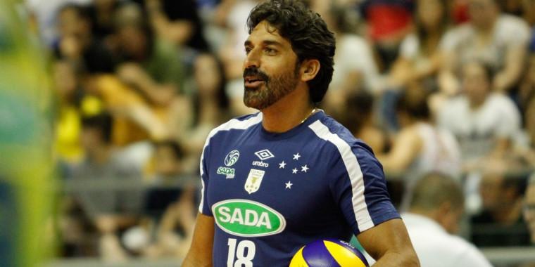 Filipe Ferraz celebra 10 anos no voleibol do Cruzeiro