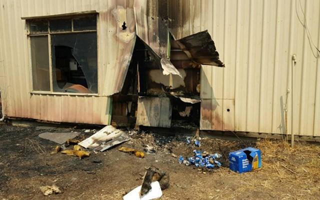 Homem apaga incêndio em casa na Califórnia com latas de cerveja - Imagem 1