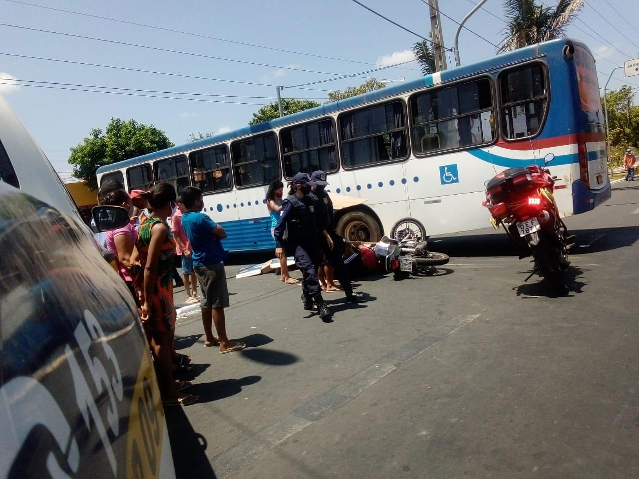 Casal suspeito de assaltos colide em Ônibus na zona Sul de Teresina (Reprodução)