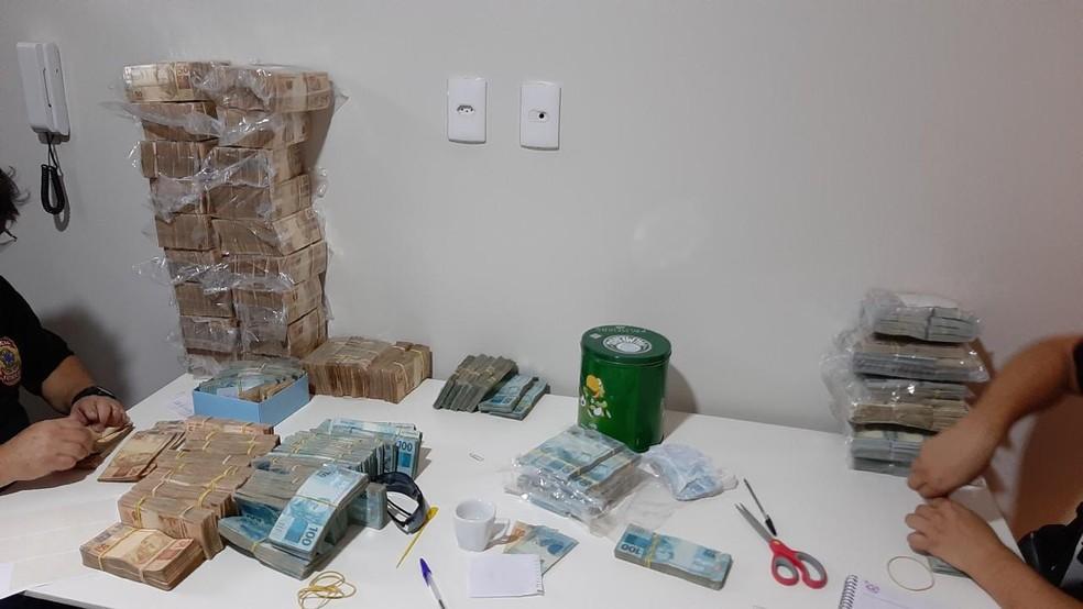 Mais de R$ 2 milhões foram apreendidos em Santos - Foto: Polícia Federal/Divulgação