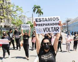 Empresários e artistas fazem protesto pelo retorno dos eventos no Ceará; assista