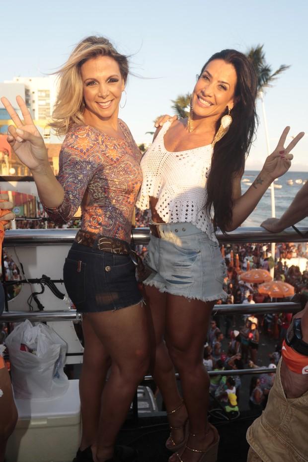 Carla Perez e Scheia Carvalho atualmente