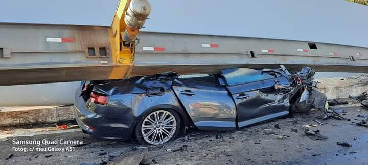 Carro é esmagado por pá de hélice eólica em acidente entre o Piauí e o Ceará