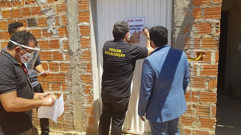 Procon interdita fábrica irregular e apreende 300kg de queijo no Piauí (Foto: Procon)