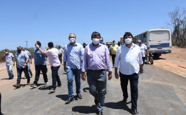 Governador visita obras de pavimentação