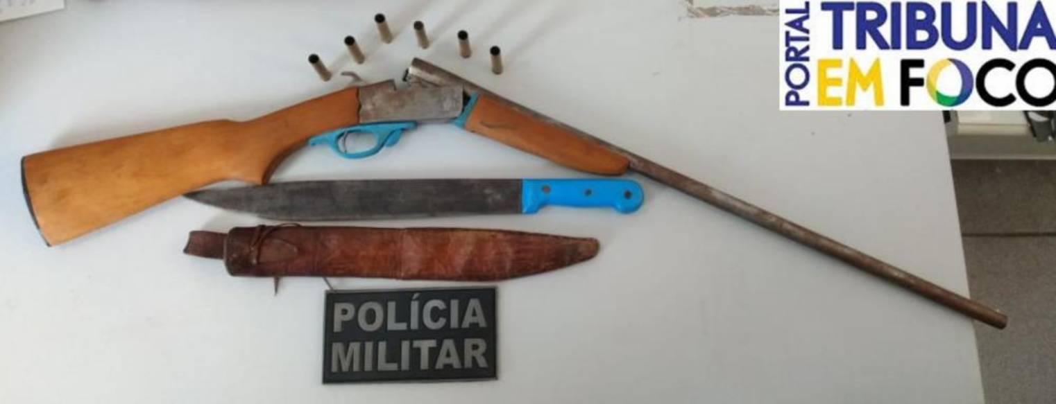 Arma utilizada no crime foi apreendida pela Polícia Militar (Reprodução/ Tribuna em Foco)