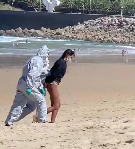 Salva-vidas foi denunciada por colegas de trabalho - Foto: Reprodução/Twitter