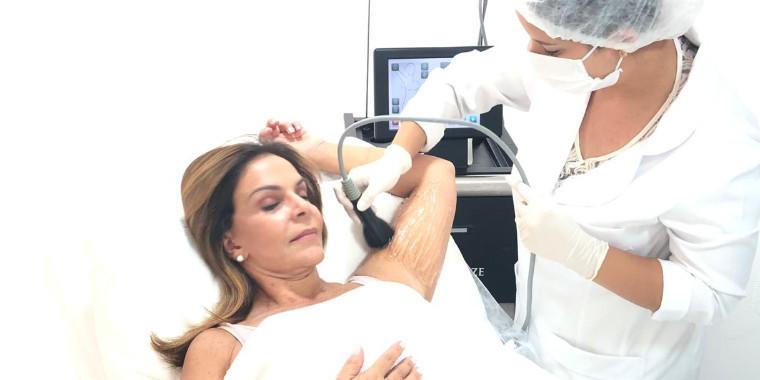Sula Miranda aposta em tratamentos estéticos e vai ser atriz