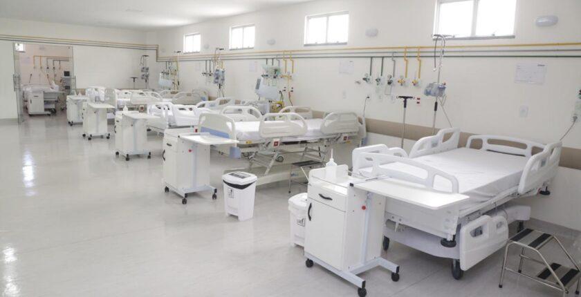 Entre os 7429 pacientes que contraíram a doença desde o início da pandemia, têm-se 5446 recuperados.