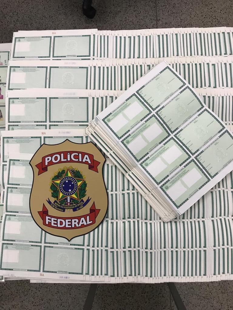 Cédulas de RG em branco do Instituto de Identificação / Crédito: PF