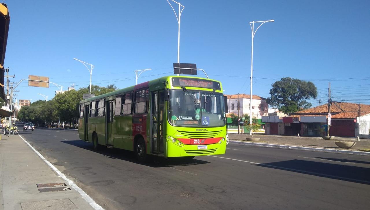 Ônibus passaram a circular às 22h em Teresina (Reprodução/ Strans)