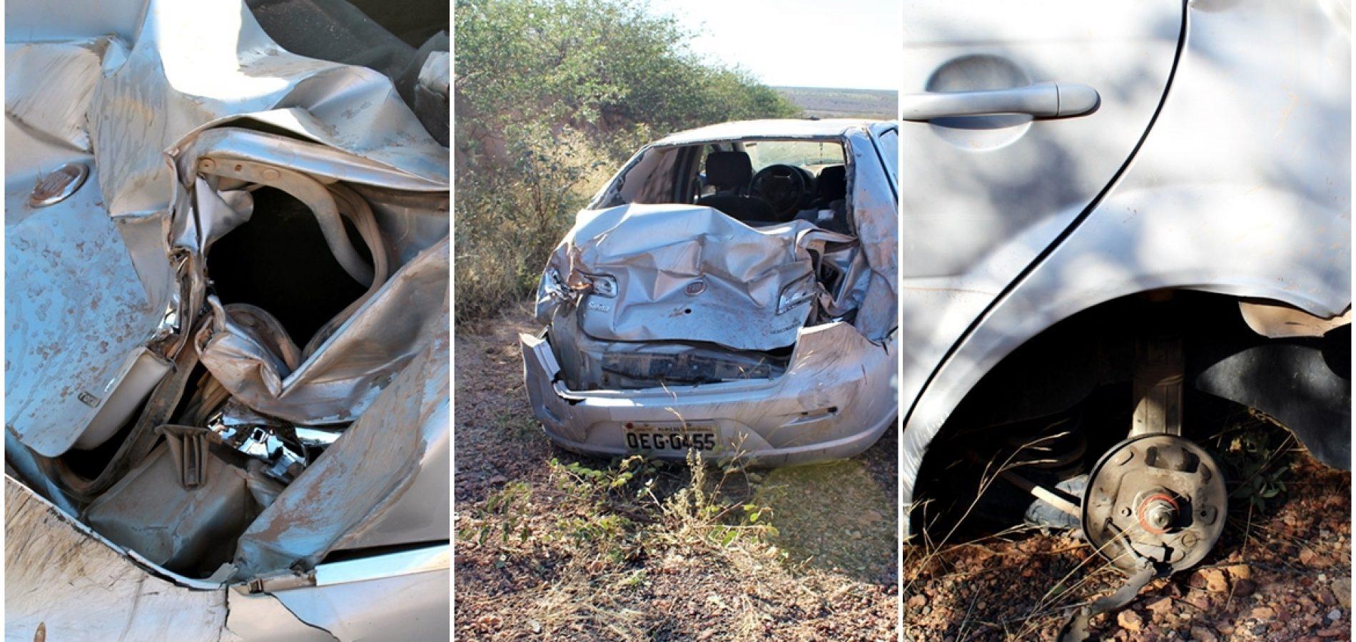 Veículo fica destruído após capotar na PI-378 - Foto: Cidades na Net
