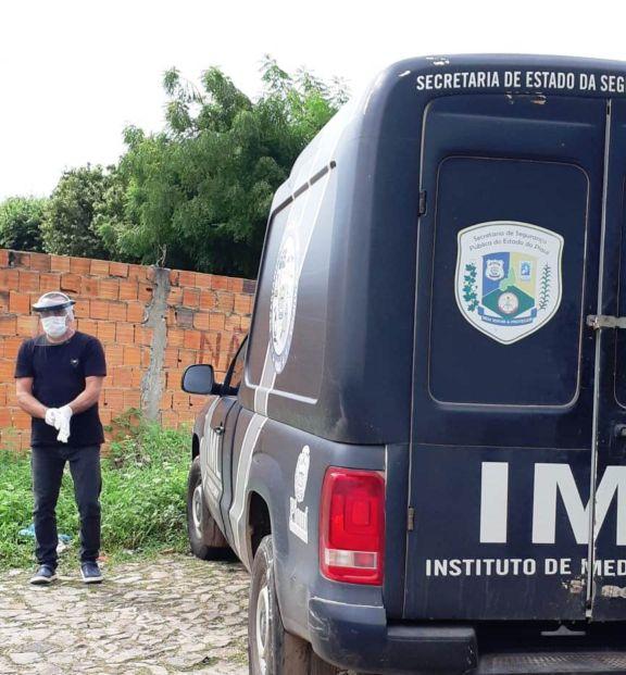Instituto Médico Legal - IML foi acionado e esteve no local para realizar a remoção do corpo