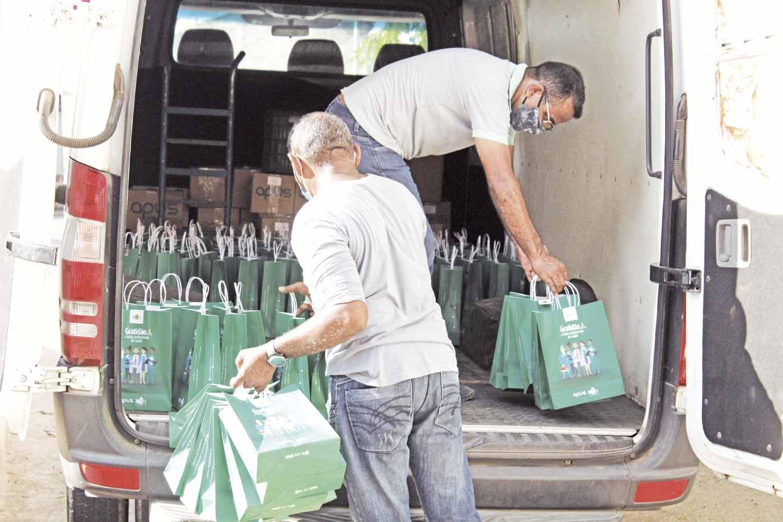 Profissionais de saúde recebem kits da Botica - Foto: Raíssa Morais