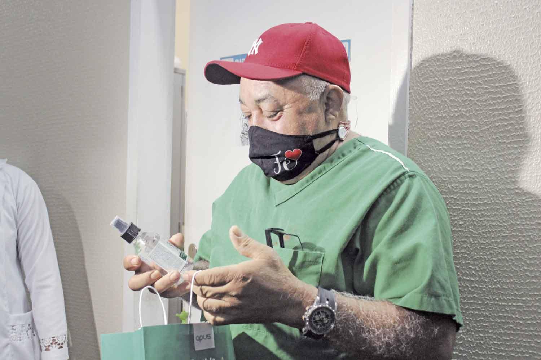 João Rocha, maqueiro de unidade hospitalar - Foto: Raíssa Morais