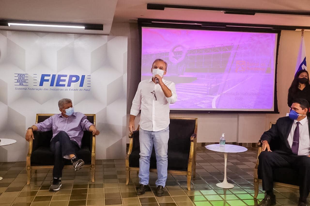 Firmino Filho pede apoio do BNB ao Piauí durante evento de negócios