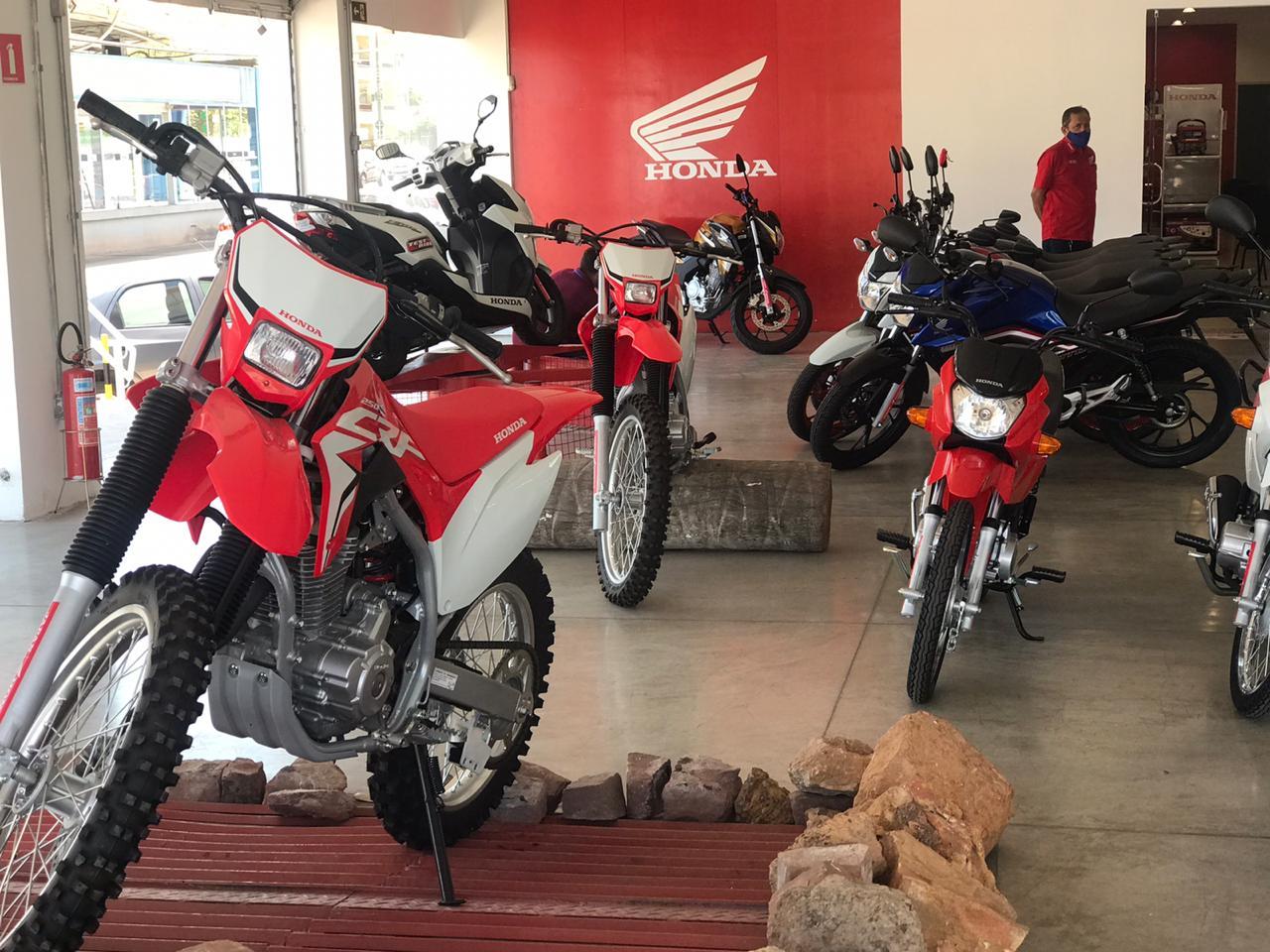 Dia especial de vendas na Japan Motos / Crédito: Waldelúcio Barbosa