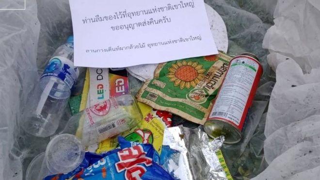 Lixo que foi enviado de volta (Imagem: Facebook)