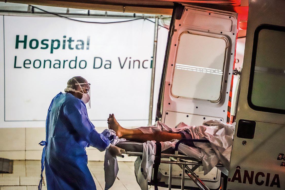 Brasil registra 858 mortes e mais de 39 mil casos de Covid-19 em 24h - Imagem 1