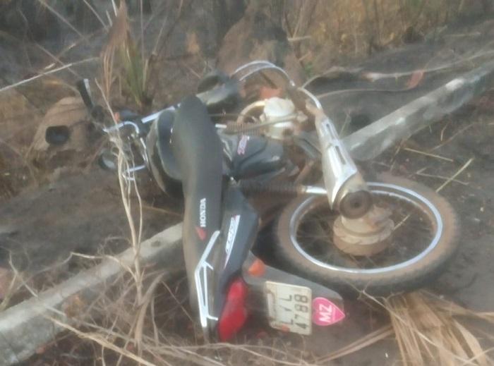 Homem morre após colidir moto em caminhonete na BR-343